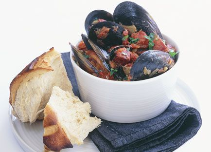 Steamed black mussels with tomato sofrito and chorizo