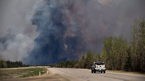 Thousands to be moved from Canada wildfire