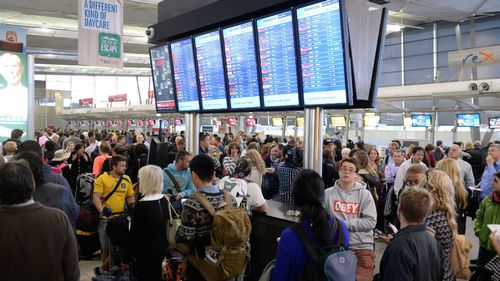 Consumer advocacy group Choice wants Australian airlines to pay up for flight delays and cancellations deemed within their control. (AAP)