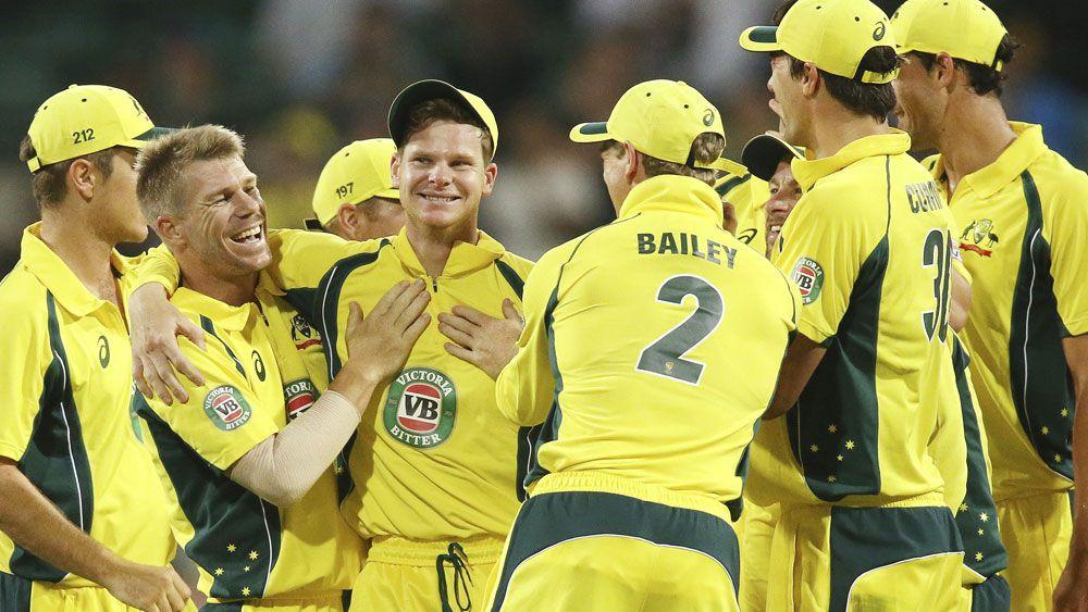 Aussies smash Kiwis as Smith sets records