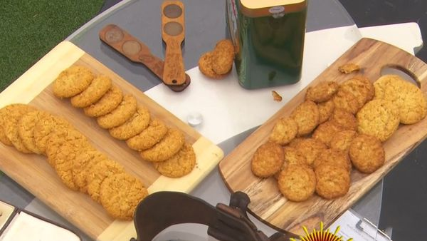This is what makes a real ANZAC biscuit