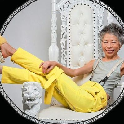 A lesson in colour blocking from Lee Lin Chin