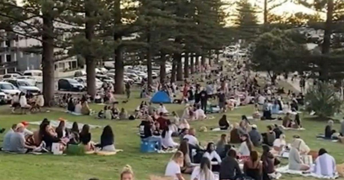 Scores of Queenslanders break social distancing rules after easing of lockdown – 9News