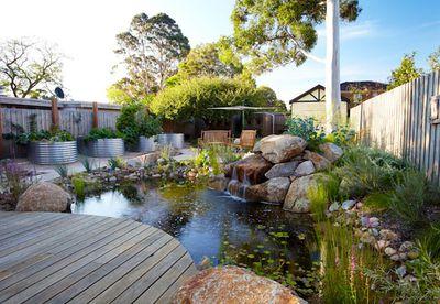 Carnegie, Melbourne garden by Phillip Johnson