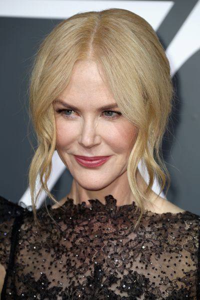 Aussie beauty Nicole Kidman opted for a more relaxed hair and make-up look on the red carpet than we're used to seeing. She went with soft, loose waves tied back into a bun. Loving.