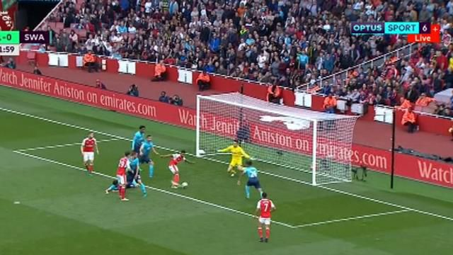 Arsenal joins Man City on top of EPL ladder