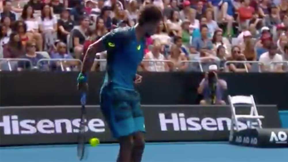 Australian Open: Monfils wins set with bizarre behind-the-back shot