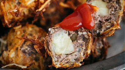 "Recipe: <a href=""https://kitchen.nine.com.au/2017/11/03/13/25/billy-law-cheesy-beef-meatball-popper-in-crunchy-potato-nests"" target=""_top"">Billy Law's cheesy beef meatball popper in crunchy potato nests</a>"
