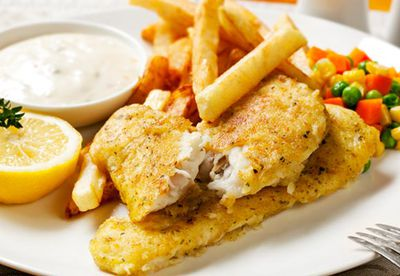 Beer-battered fish and chips with tartare sauce