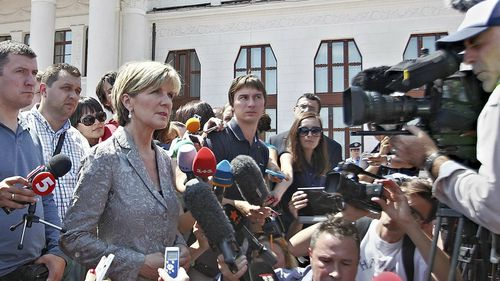 Foreign Affairs Julie Bishop answers questions from journalists at the airport in Kharkiv, Ukraine. (AAP)