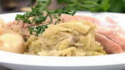 "12.)&nbsp;<a href=""https://kitchen.nine.com.au/2016/05/18/06/04/pickled-pork-with-cabbage-and-mustard-sauce"" target=""_top"">Pickled Pork with Cabbage and Mustard Sauce</a>"