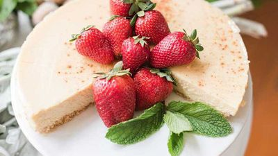 "<a href=""https://kitchen.nine.com.au/2017/12/19/19/19/healthy-baked-ricotta-cheesecake"" target=""_top"">Healthy baked ricotta cheesecake</a> recipe -&nbsp;ow fat, healthy ingredients, reduced sugar"