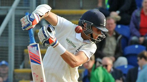 Stuart Broad avoids a bumper - just - on Day One. (AAP)