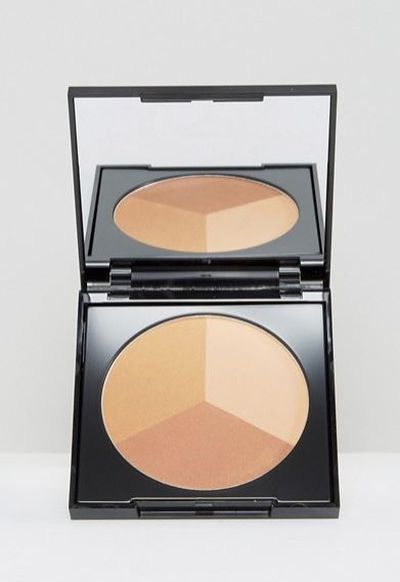 "<p>E! Style Awards 2017 - Best Bronzer</p> <p><a href=""http://www.asos.com/au/st-tropez/st-tropez-instant-tan-3-in-1-bronze-powder/prd/7937673"" target=""_blank"" draggable=""false"">St. Tropez Instant Tan 3 in 1 Bronze Powder, $30</a></p> <p>Providing a natural tan all year round. This products offers a professional, streak-free sun-kissed glow.</p> <p>Celebrity Fans- The Big Bang Theory star Kaley Cuco</p>"
