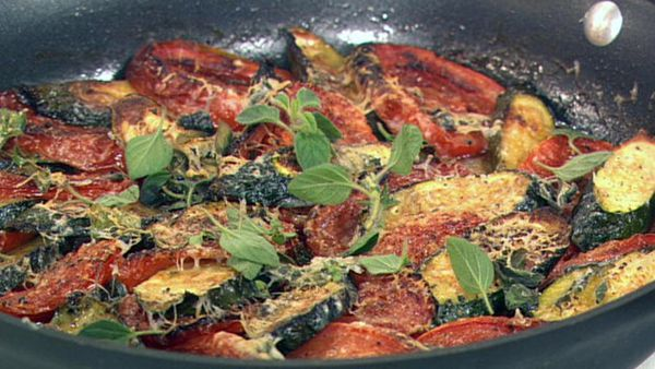 Parmesan baked zucchini and tomatoes