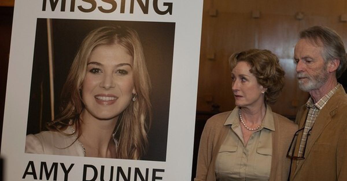 Gone Girl Lisa Banes actress in critical condition after hit-and-run scooter accident - 9Celebrity