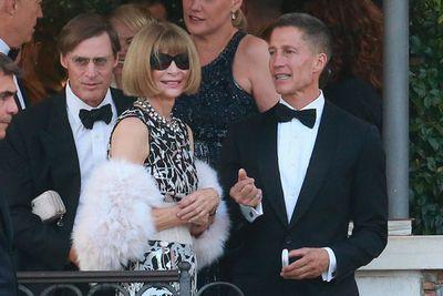 US <i>Vogue</i> editor Anna Wintour followed soon after, in her signature shades and a fur stole. <br/>