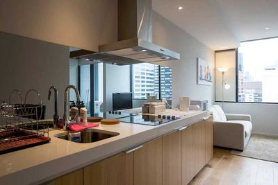 "<strong>#5 <a href=""https://www.airbnb.com/rooms/7667654"">Luxurious Melbourne Apartment</a> - Melbourne, Victoria&nbsp;</strong>"
