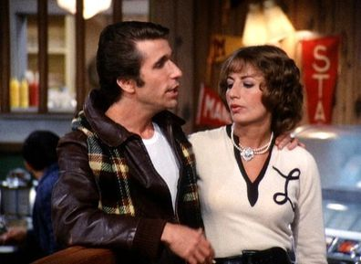Henry Winkler and Penny Marshall in 'Happy Days'