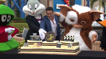 Today, a blockbuster sized cake alongside a bronze statue of Buggs Bunny was unveiled at the park for the celebrations.