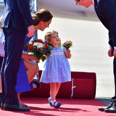 Princess Charlotte does a curtsy in Germany, July 2017