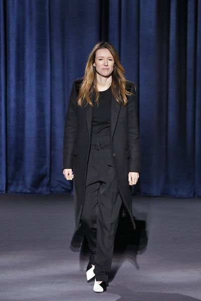 <p><strong><em>Clare Waight Keller, Givenchy<br /> </em></strong> <br /> <br /> </p>