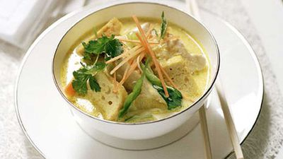"<a href=""http://kitchen.nine.com.au/2016/05/17/14/33/spicy-chicken-laksa"" target=""_top"">Spicy chicken laksa</a> recipe"