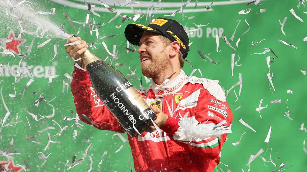 F1: Vettel 'doesn't deserve' podium says Ricciardo