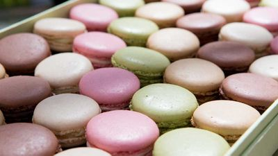 "9Kitchen <a href=""http://kitchen.nine.com.au/2016/09/29/09/06/famous-parisian-tearoom-laduree-arrives-in-melbourne"" target=""_top"">reported back in September</a> the exciting news for macaron lovers that internationally acclaimed French macaron house Ladur&eacute;e would be opening in Melbourne. Well that day has come, and the dainty sweet treats officially became available over the weekend in <a href=""https://www.chadstone.com.au/?gclid=CjwKEAiA6YDBBRDwtpTQnYzx5lASJAC57ObMM0dW4Zev0eJ81xVQw-_m0kEtUlw6OKCZtykF_XO3hxoCWGLw_wcB"" target=""_top"">Melbourne's Chadstone shopping centre</a>, putting Melbourne on level footing with Sydney (already boasting two Ladur&eacute;e tea house venues in both the CBD and Woollahra)."
