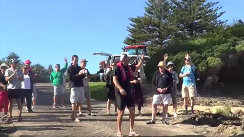 The kayaker is attempting the feat four years after he pulled up short in order to raise funds for Asthma Australia and New Zealand. Picture: 9NEWS.