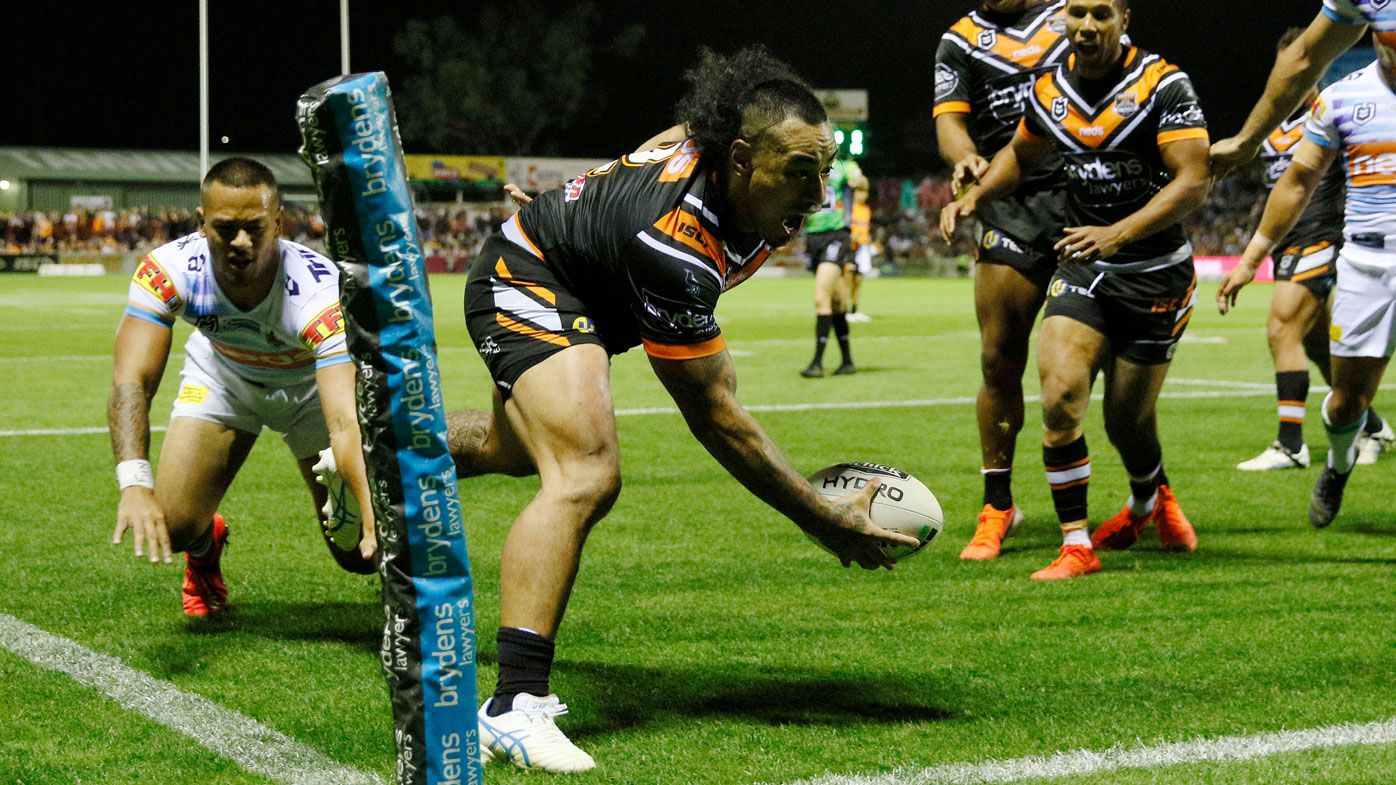 Fonua finds his way across