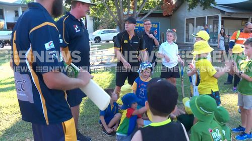 The disgraced cricketer met with local kids. (9NEWS)