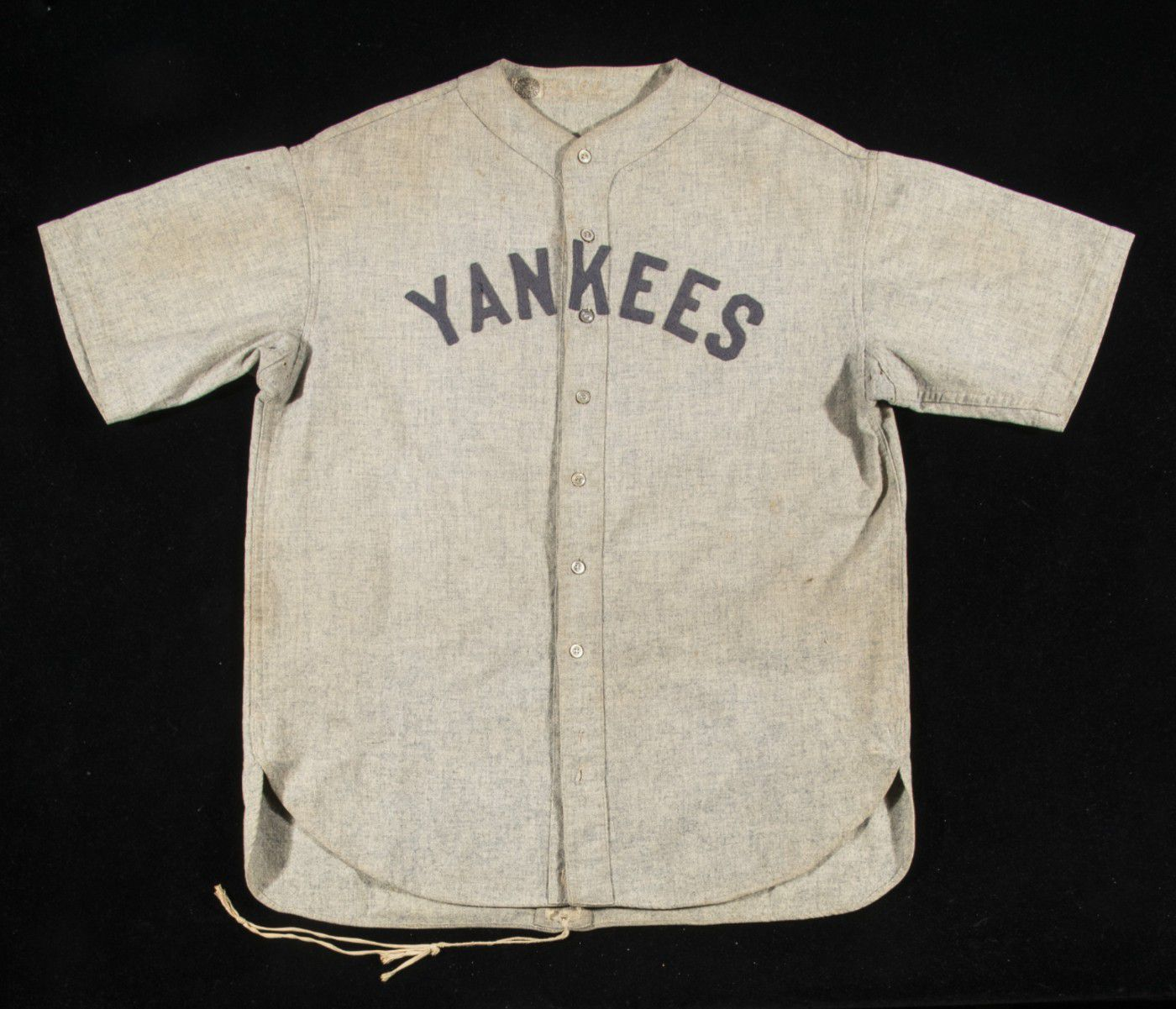 the latest 1cae9 f4bc4 Babe Ruth jersey breaks record at auction - US news