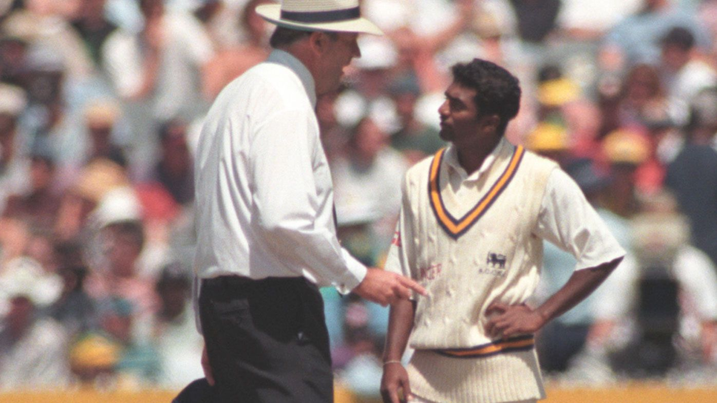 Umpire Darrell Hair speaks to Muttiah Muralitharan after no-balling him for throwing on Boxing Day 1995.
