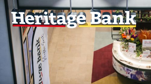 Heritage Bank customers in Queensland and NSW hit with online technical outage