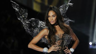 Puerto Rican model Joan Smalls stuns on the catwalk at the Victoria's Secret Fashion Show. (AAP)