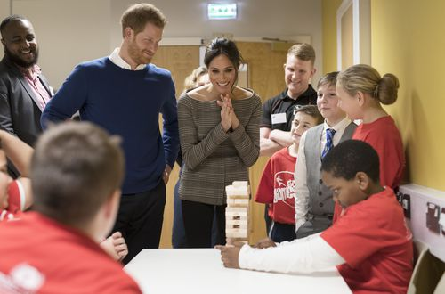 The young royals spoke with the children at length. (AAP)