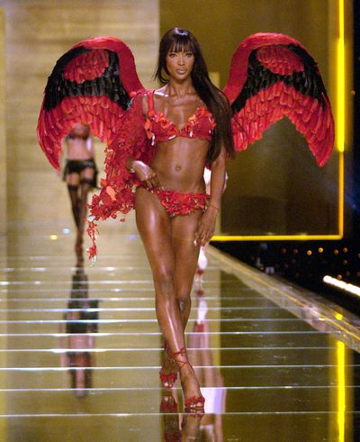 <p>6. Naomi Campbell</p> <p>Since Naomi's star shines brighter than most angels, people forget her long association with the brand. Naomi walked for Victoria's Secret in 1996, 1997, 1998, 2000, 2002, 2003 before making her final exit in 2005.</p>