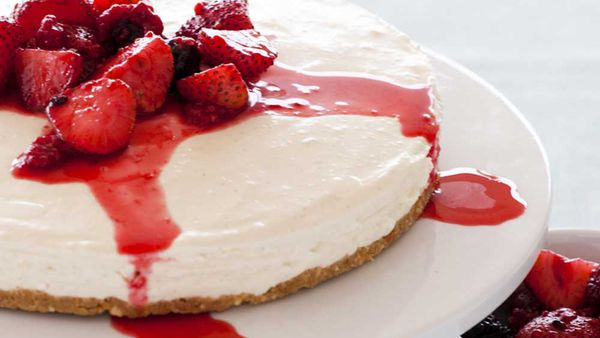 Vanilla cheesecake with vanilla-poached berries courtesy of Heilala Vanilla