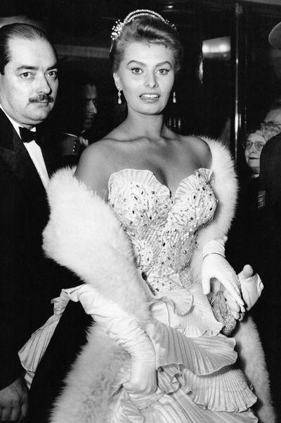 Sophia Loren arrives at the Tivoli Theatre in London, 1954.