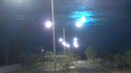 CCTV captures spectacular meteor shower in Central Australia