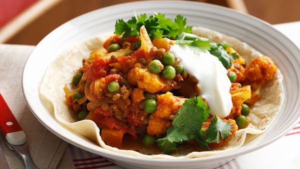 Quick cauliflower and pea curry