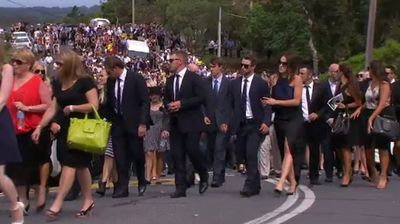 Cricketing greats from across the country joined mourners at the service. (9NEWS)