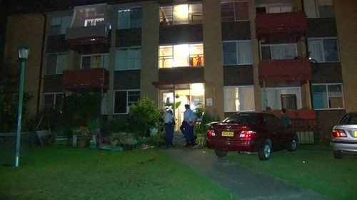 Police arrive at a Doonside apartment where a man in his 30s was stabbed multiple times. (9NEWS)