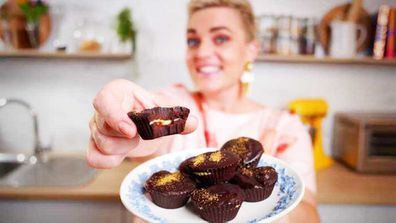 Jane de Graaff makes four-ingredient peanut butter cups for Mother's Day