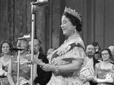 Young Queen Elizabeth Mother A young Princes...