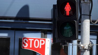 Council moves to install 'female symbol' traffic lights