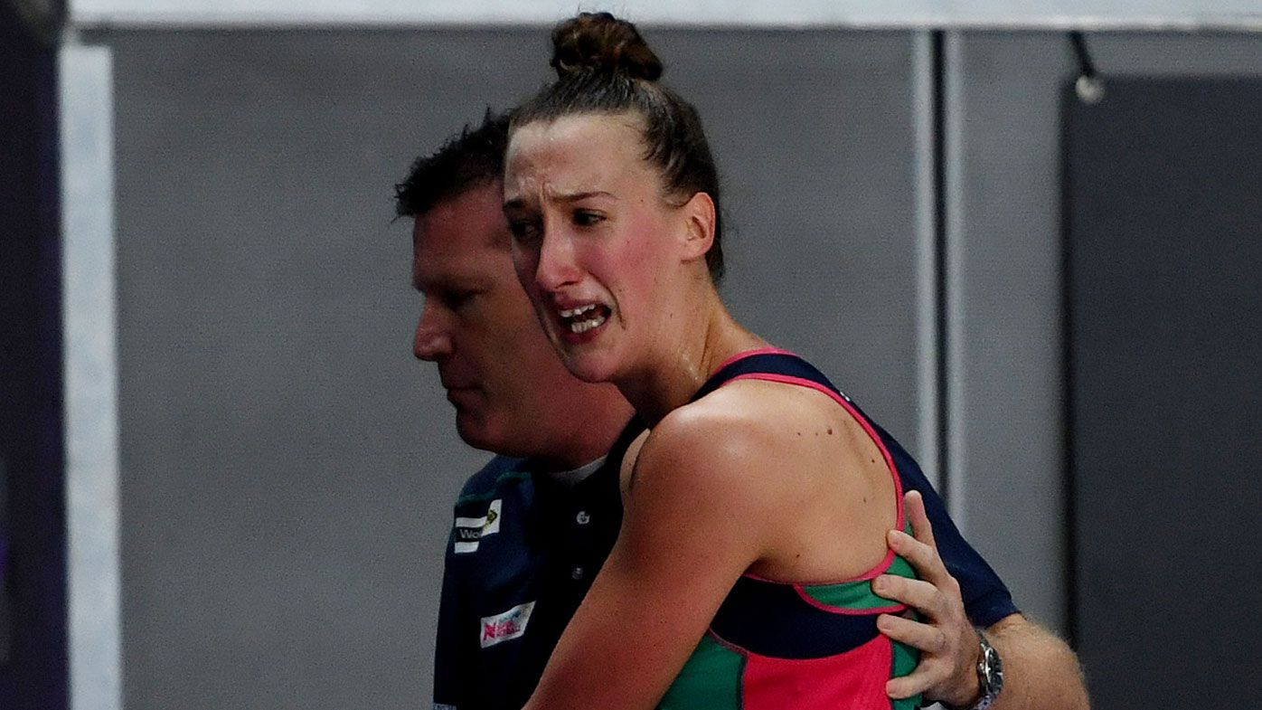 Melbourne Vixens down Collingwood Magpies in Super Netball derby