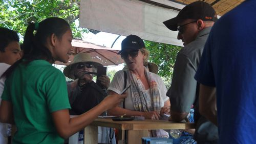 Peter Maynard's wife Kylie joins the search in Bali. (AAP)