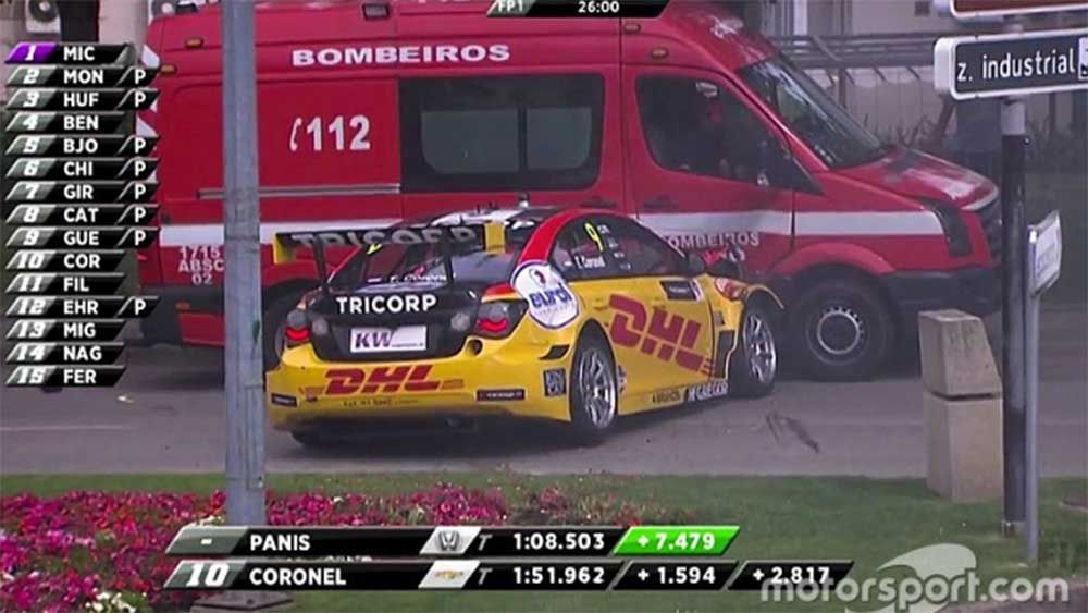 Motorsport: Touring car driver crashes into fire truck